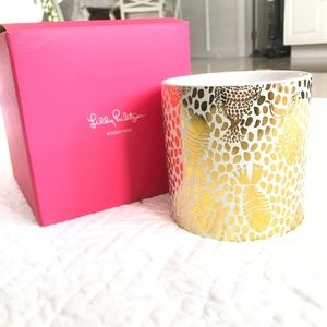 NWT Lilly Pulitzer 5x5 Round Base $28 Gold